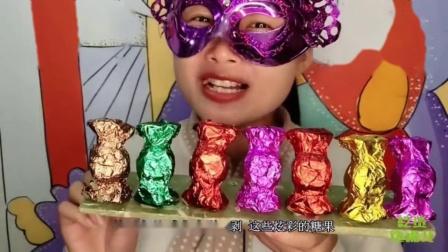"""吃货馋嘴:小姐姐吃手工""""炫彩糖果巧克力"""",少女心爆棚,是我向往的生活"""