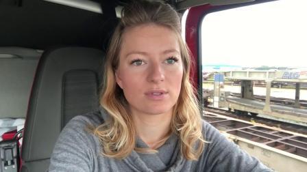 美女卡车司机 Trucking Girl 电池没电了[中文字幕]
