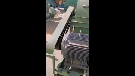 移动式木材粉碎机食用菌木屑机香菇木耳料粉碎机.mp4