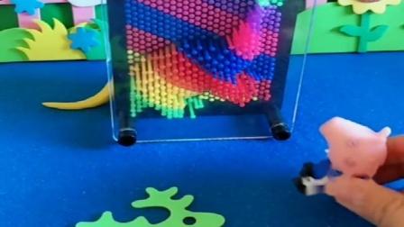 小猪佩奇玩具:让乔治猜动物,乔治真是太聪明了,每个都猜对了