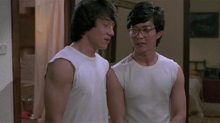 快餐车  兄弟俩收留了美女,当美女洗完澡一出来,两人都看呆了