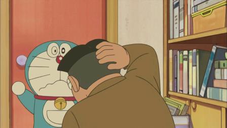 哆啦A梦:哆啦A梦抱着铜锣烧去找大雄,结果被砸晕!...