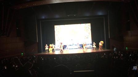 200525-11:05晁安雅 彩色庆典黄色好美 陶美梦迪士尼乐园