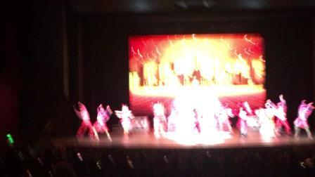 200525-11:07晁安雅 彩色庆典红色好嗨 陶美梦迪士尼乐园