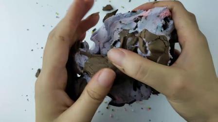 挑战DIY超大的脆皮软心砖,做成爱心蛋糕,撒上满满的糖果粒