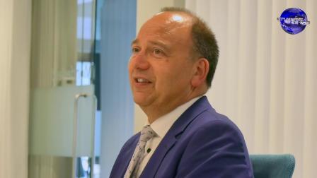 荷兰莱茵集团向荷兰市政府捐赠抗疫口罩