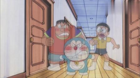 小夫和小珠在给动漫配音,胖虎误会了小夫,揍了小夫一顿