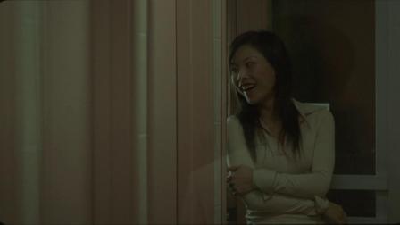 女子一个人在厕所嘻嘻哈哈,出门却惨死办公室,墙上还写着血字