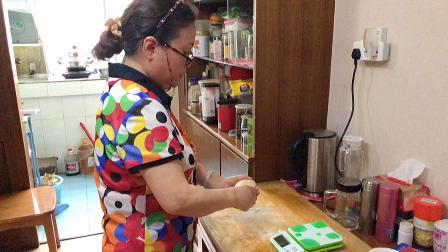 热狗面包的制作—肖兵、张祎湘.mov