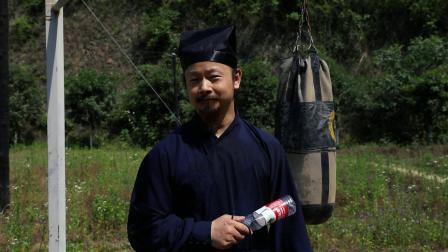 武当道长陈师行挑战鞭腿破瓶,宣布失败