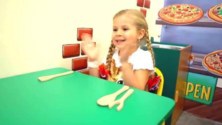 小萝莉和爸爸来到披萨店吃披萨 结果却没带钱 两人吃完撒腿就跑.mp4