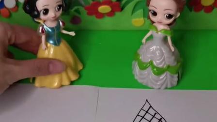 白雪和贝儿画了玉米,结果贝儿的玉米变成真的了,白雪的能变吗
