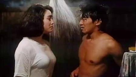 新精武门2:周星驰洗澡,却被人接二连三的,闯进来了3次.mp4
