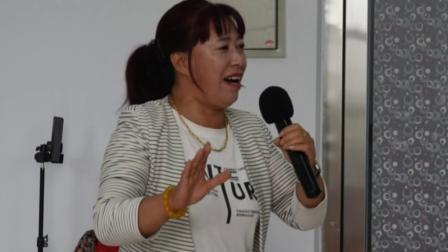 秧歌图片欣赏:西合营康泰移民区文化活动中心
