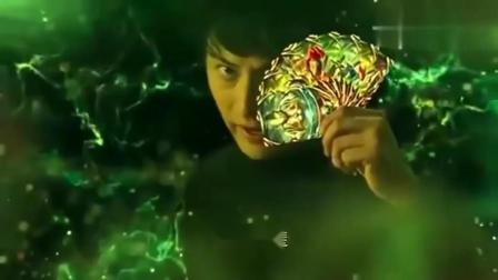 奥特曼:欧布使出了所有的奥特曼卡片,一击将其粉碎!