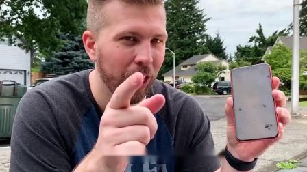 iPhonexR能抗住烟花爆炸么?老外亲测,场面超级硬核!