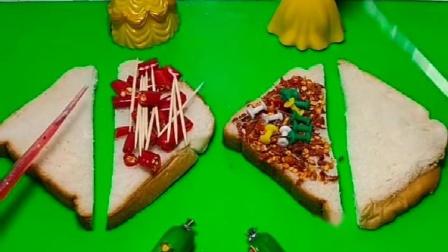 少儿益智亲子玩具:王后让白雪和贝尔做夹心面包,做不好有惩罚