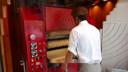 """日本大叔来中国开""""网红""""蛋糕店,30块钱1份,制作过程很有趣!"""