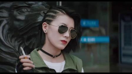 全网最新电影《大赢家》混剪:大鹏上演史上最沙雕的抢银行!.mp4