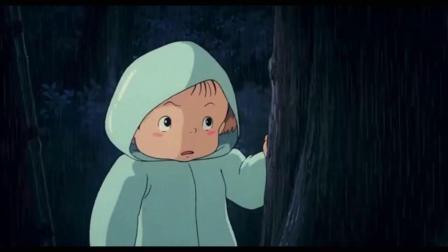 龙猫:小梅看到石像很害怕扑进姐姐怀里,小月感到十分奇怪