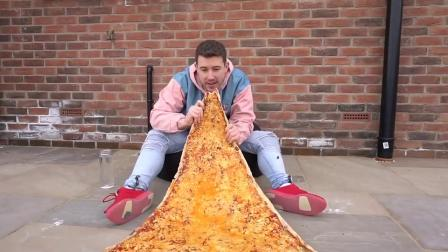 小伙花式作死,自制世界上最大的披萨,足足吃了三天!.mp4