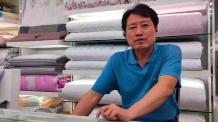 记者走访广藏市场 遇韩国小哥狂秀9级中文