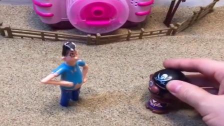 小猪佩奇玩具:葫芦娃不想上学,老师帮葫芦娃解决困难,海盗不想上学那就别来了