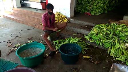 农村小伙开家庭作坊卖小吃,1斤15元,城里人一次买5斤当零嘴!