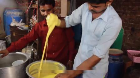 农村小伙开家庭作坊卖小吃,村民买内部价1元,城里人买一个5块!