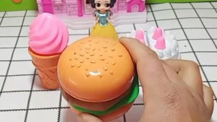 小公主的妈妈生日了,大家快来看看,帮助小公主做蛋糕