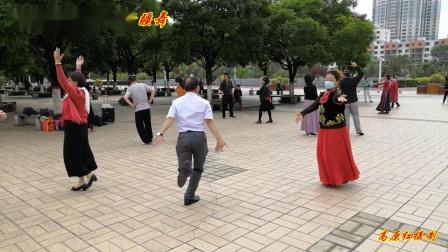 西宁新宁广场-新疆舞《高原红摄制》