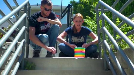 彩虹圈新玩法,放到跑步机和楼梯上,能自动寻路,过程解压又魔性