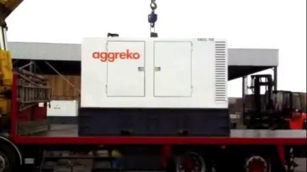 自动吊钩操作发电机 | 智能吊装解决方案 | elebia     Aggreko使用elebia自动吊钩来移动发电机,更安全、更快。