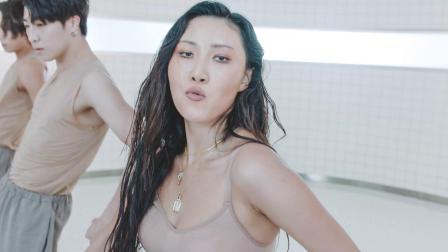 [杨晃]韩国实力女歌手华莎Hwa Sa帅气新单 Maria