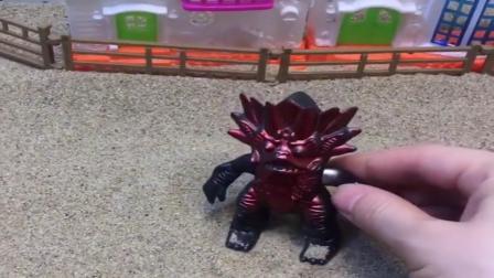 小猪佩奇玩具:蛇精变身成怪兽的样子抓葫芦娃,原来是变身失误了