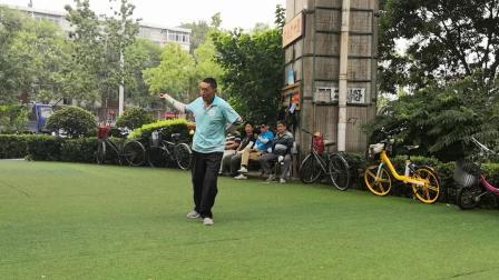 天津空竹 王瑞东老师在河西空竹园 晨练 抖空竹