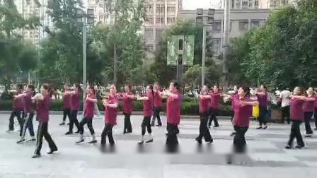 西安龙首原活动站朗迪八段锦健身操