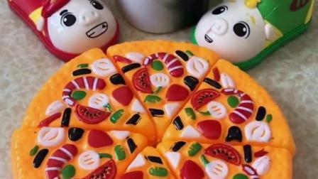 大鲨鱼不喜欢水果蛋糕,不喜欢吃披萨,它喜欢吃什么呢?