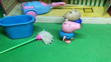 小猪佩奇玩具:小羊苏西被跟踪了,乔治出来想赶走老爷爷,其实老爷爷是来送包的.mp4