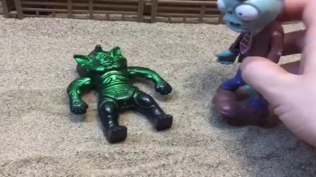 小猪佩奇玩具:怪兽想要抓朵朵,哪吒成功把朵朵救走,僵尸却成了替罪羊喽.mp4