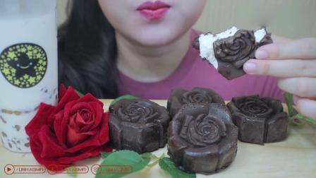 吃播大胃王:小姐姐吃自制玫瑰巧克力冰淇淋,发出的咀嚼声.mp4