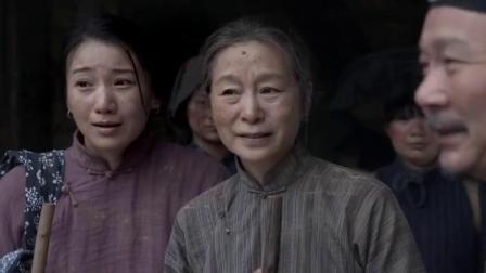母亲去部队看儿子,众人一听她儿子名字,怎想她竟是师长的母亲