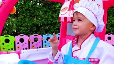 萌娃小可爱驾驶着漂亮的玩具小餐车出门卖冰淇淋啦!小家伙可真是会玩呢!