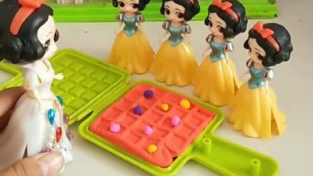 小雪儿喜欢吃妈妈做的披萨,出来4个小雪儿,谁才是小雪儿呢?.mp4