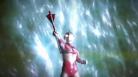 欧布奥特曼:杰克奥特曼用必杀技配合奥特之矛,威力很高.