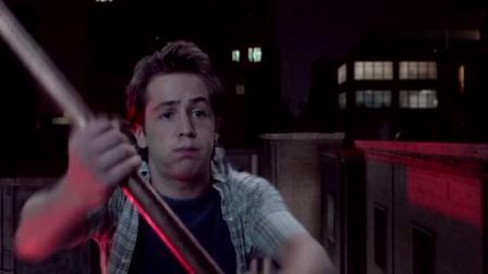 功夫之王:外国小伙被委托送一根棍子,棍子竟带他穿越到神话时代