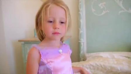 萌娃小可爱化身为小公主,有各种首饰,萌娃:好漂亮啊
