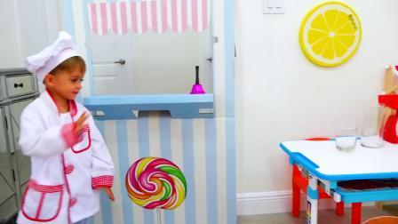 萌娃小可爱的果汁店开业了!小家伙真是能干呀!萌娃:美味的果汁!