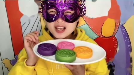 """吃货馋嘴:小姐姐吃""""闲云野鹤巧克力"""",漂亮又美味,小姐姐好喜欢吃.mp4"""