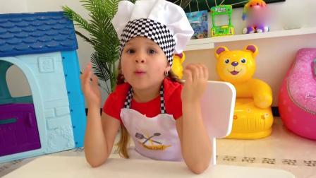 小萝莉VLOG:戴安娜和罗玛一起玩蛋糕玩具度过了愉快的一天